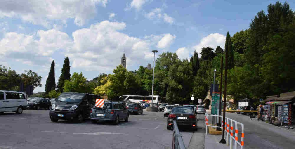 Dove e come parcheggiare ad assisi parcheggio porta nuova - Porta san giacomo assisi ...