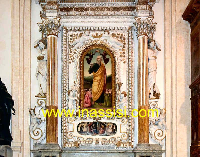 Cattedrale di san rufino gli interni con gli altari e le for Arredi interni san giuseppe vesuviano